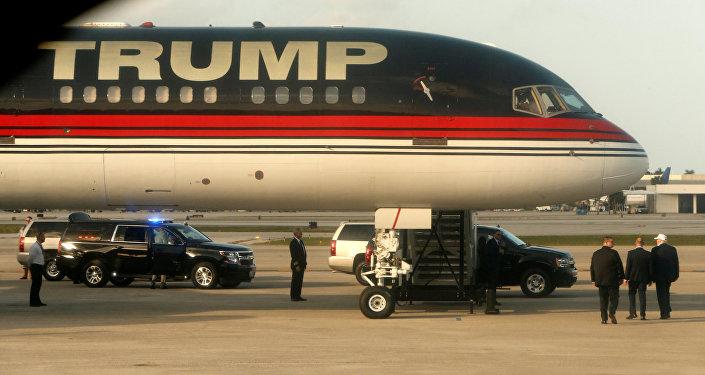 Donald Trump özel uçağıyla New York'a seyahat ederken