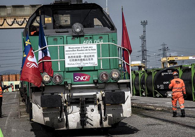 Fransa'nın Lyon kenti yakınlarında Çin'e ait yük treni