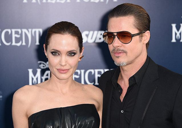 Angelina Jolie ve Brad Pitt