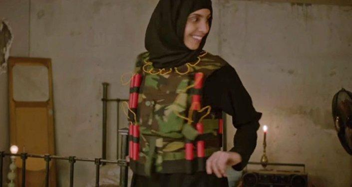 BBC'nin 'IŞİD'in Umutsuz Ev Kadınları' adlı skecinden bir kare