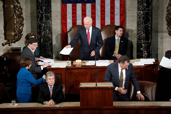 ABD Kongresi, Seçici Kurul üyelerinin kullandığı oyları saymak için bir araya geldi.