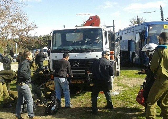 Kudüs'te kamyon insanları ezdi