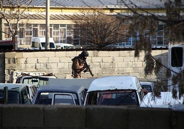 Gaziantep Emniyet Müdürlüğü bahçesi girişinde çatışma çıkması sonucu olay yerine takviye ekipler gönderildi.