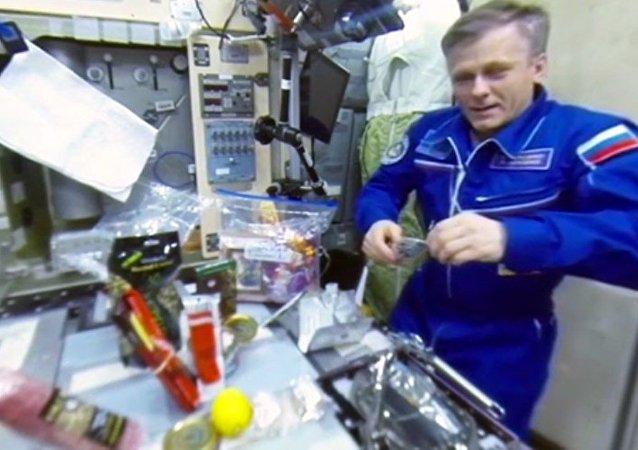 RT ile uzayda yılbaşı kutlaması