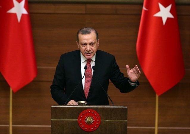 Cumhurbaşkanı Recep Tayyip Erdoğan, Cumhurbaşkanlığı Külliyesi'nde düzenlenen Muhtarlar Toplantısı'na katılarak konuşma yaptı.