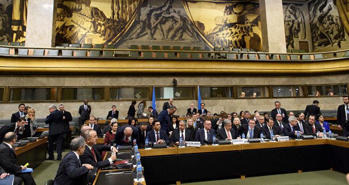 Cenevre'de garantör ülkelerin de katılımıyla beşli Kıbrıs zirvesi başladı