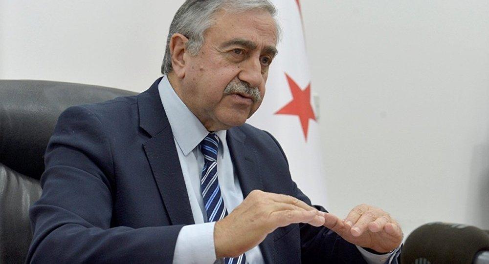 Kuzey Kıbrıs lideri Mustafa Akıncı