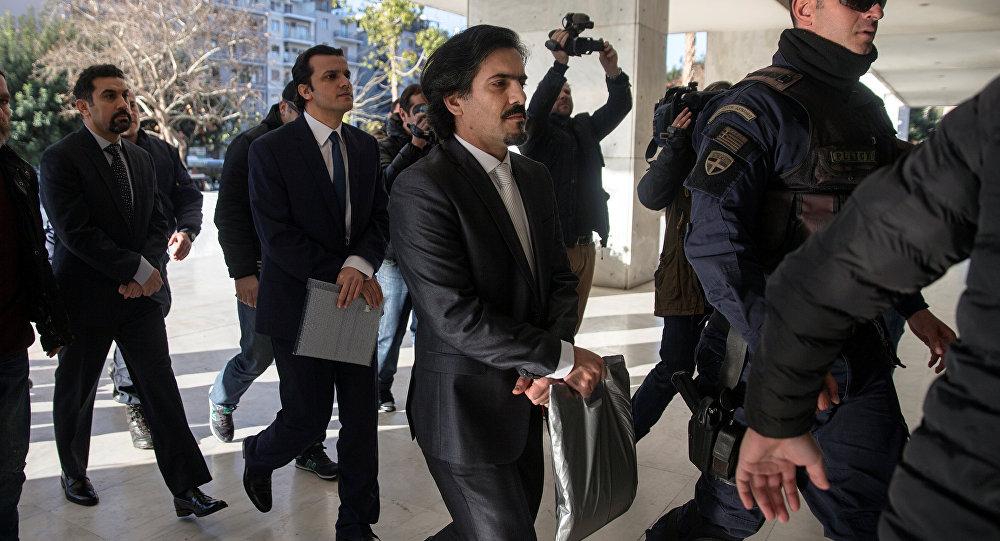 Darbe girişiminden bir gün sonra Yunanistan'ın Dedeağaç kentine izinsiz iniş yapan helikopterdeki sekiz darbeci asker Yüksek Mahkeme'de hakim karşısına çıktı / 3. gün