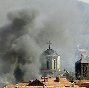 Kosova'da Arnavut aşırılıkçıların saldırısına uğrayan bir Sırp Ortodoks kilisesi