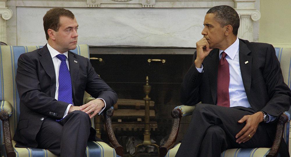 ABD Başkanı Barack Obama ve Rusya Başbakanı Dmitriy Medvedev