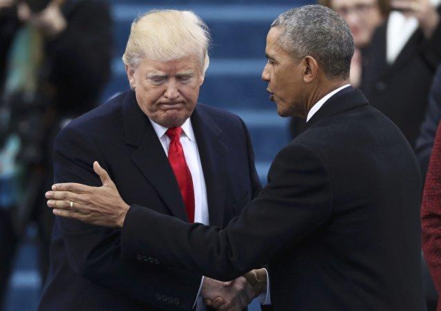 Donald Trump başkanlık görevini selefi Barack Obama'dan aldı