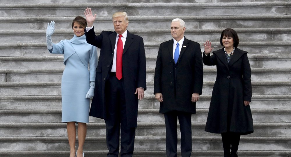 ABD Başkanı Donald Trump, yardımcısı Mike Pence ve First Lady Melania Trump ile Karen Pence