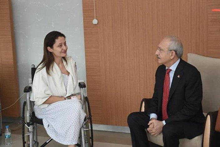CHP lideri Kemal Kılıçdaroğlu, Şafak Pavey'i tedavi gördüğü hastanede ziyaret etti.