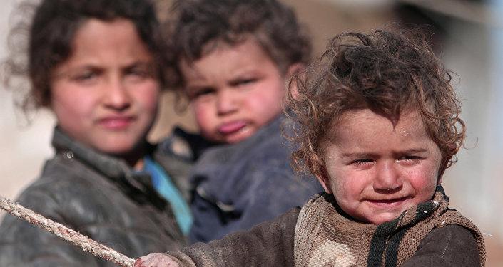 Rakka'dan kaçan Suriyeli çocuklar