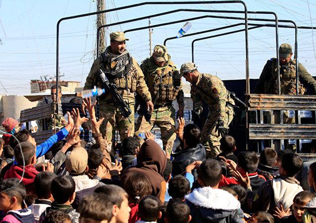 Musul'daki çatışma bölgelerinden kaçan siviller