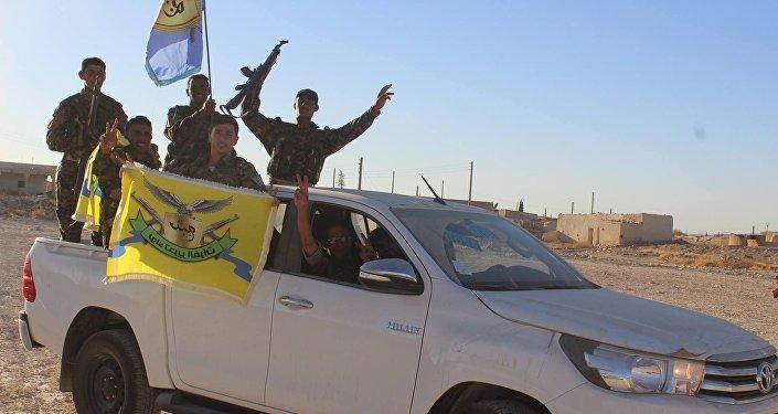Demokratik Suriye Güçleri savaşçıları