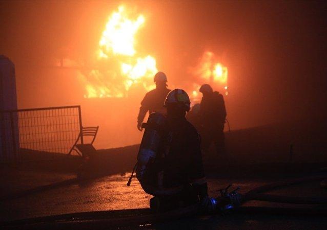 Hadımköy'de fabrikada patlama ve yangın
