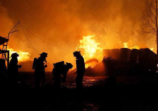 Şili'ni yakın tarihinin en büyük orman yangını Santa Olga kasabasını kül etti