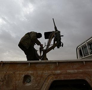 El Bab bölgesinde bir Suriyeli muhalif militan