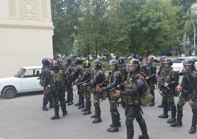 Azerbaycan polisi