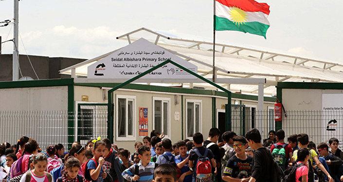 Irak'ta mülteci kampında bir ilkokul okul
