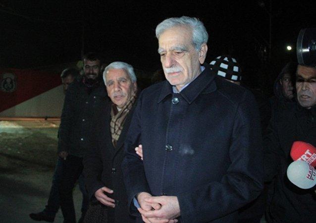 Ahmet Türk cezaevinden tahliye edildi