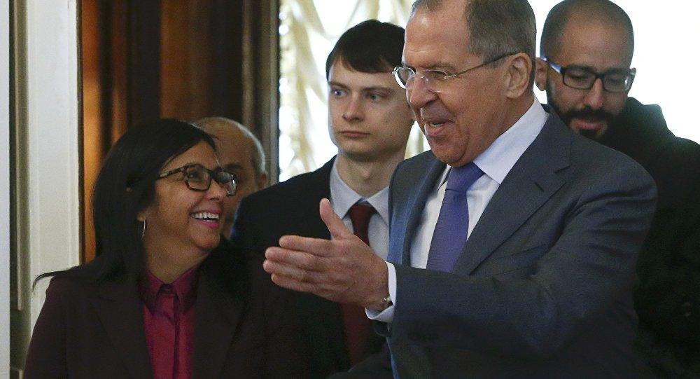 Rusya Dışişleri Bakanı Sergey Lavrov ve Venezüellalı mevkidaşı Delcy Rodriguez