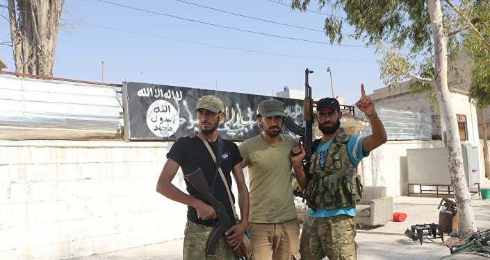 IŞİD'den alınan Cereblus'ta ÖSO üyeleri