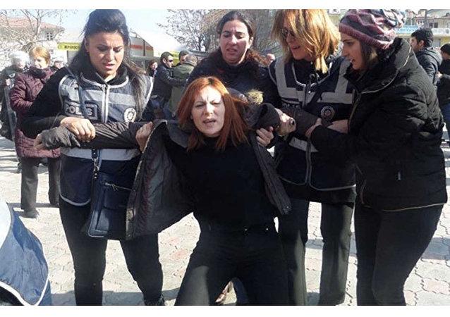 Malatya'da KHK protestosuna müdahale