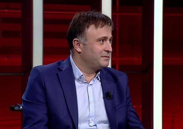 Gazeteci Hakan Çelenk