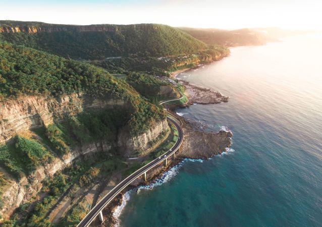 Kuşbakışı Avustralya sahilleri.