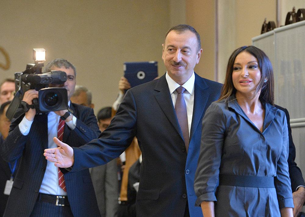 Azerbaycan Devlet Başkanı İlham Aliyev ve eşi Mehriban Aliyeva