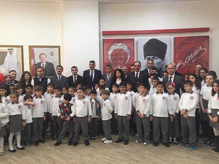 250 öğrenci kapasiteli Doha Büyükelçiliği Türk Okulu, yabancı dil ağırlıklı olarak MEB müfredatına göre eğitim-öğretim verecek.