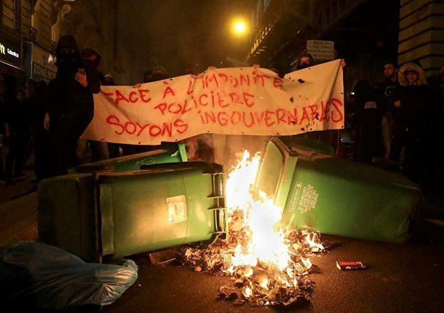 Paris'te cinsel saldırı protestosu