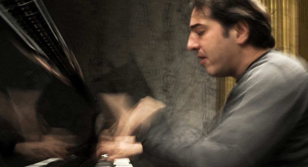 Türk sanatına bir kara leke daha: Fazıl Say'ın konseri iptal edildi