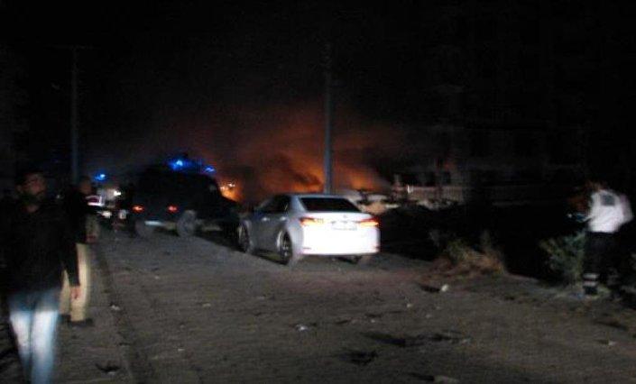 Patlamanın meydana geldiği alana takviye ekipler sevk edildi.