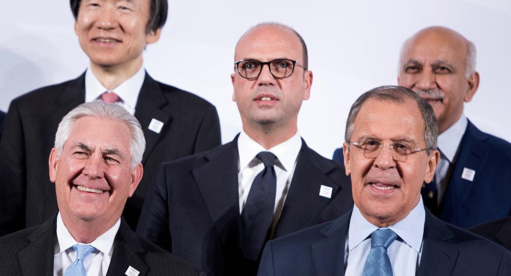 Sergey Lavrov ve Rex Tillerson