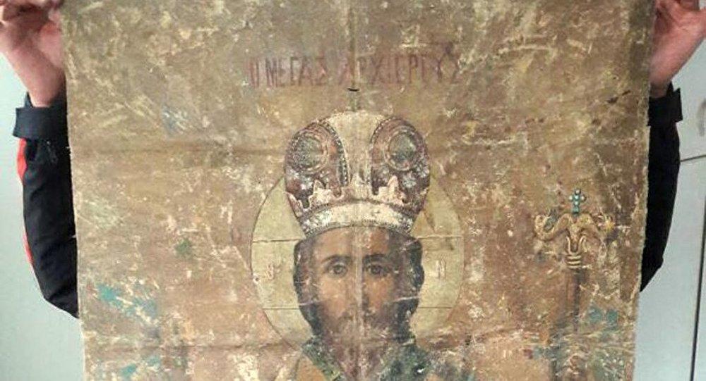 Adana'da 18. yüzyıldan kaldığı sanılan ikona ele geçirildi