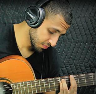 ABD'nin New York kentinde yaşayan ve uduyla Batılı bestekârların bestelerini çalan Yemen asıllı Ahmed Şeybe, sosyal medyanın yıldızı oldu.