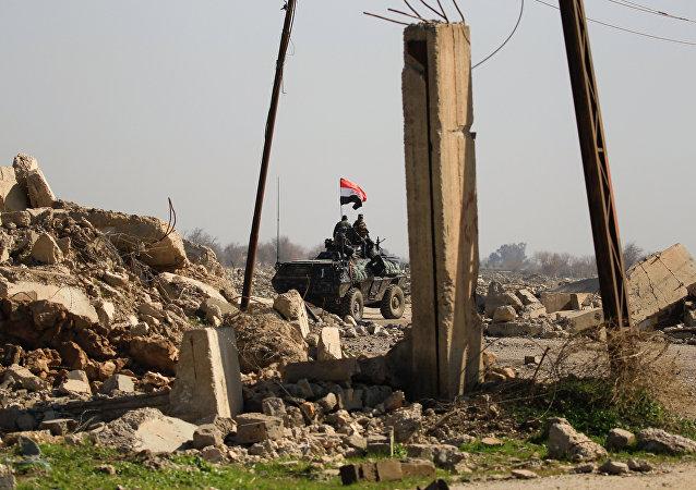 Irak güçleri, Musul Havalimanı'nın IŞİD'den geri aldı