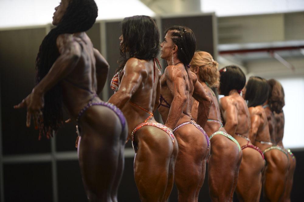 Uluslararası Vücutgeliştirme ve Fitness Şampiyonası, Kolombiya'nın Medellin kentinde düzenlenen Olympia Amatör yarışması ile başladı.