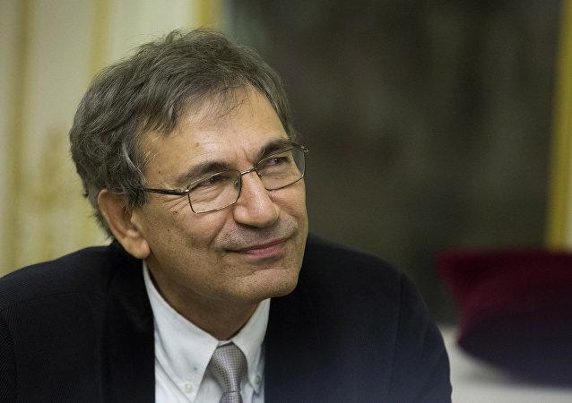 Nobel ödüllü yazar Orhan Pamuk