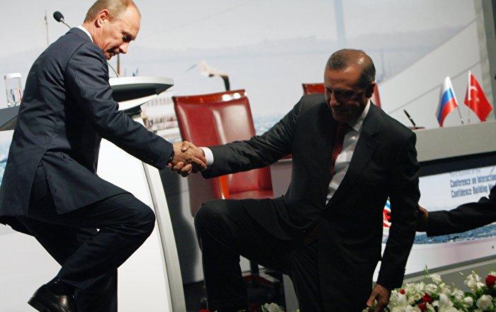 'Türkiye, Batı ve NATO'dan emin adımlarla uzaklaşıyor'