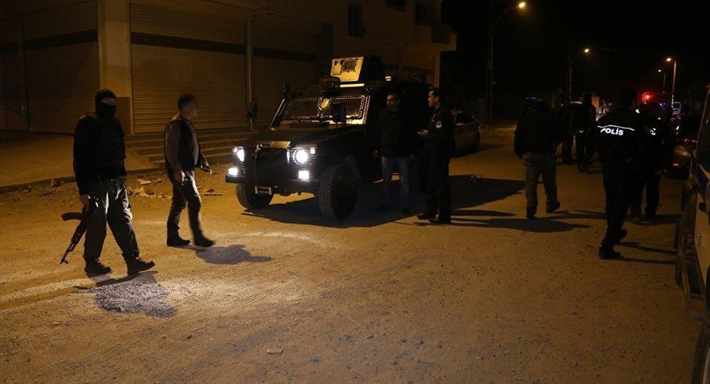 Adana'da Suriyeliler ile mahalleli arasında gerginlik