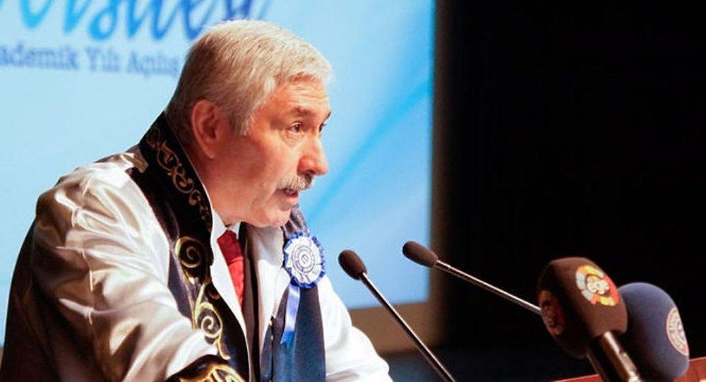 Ege Üniversitesi Rektörü Prof. Dr. Mustafa Cüneyt Hoşcoşkun