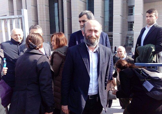 Cumhuriyet Gazetesi Ankara temsilcisi Erdem Gül