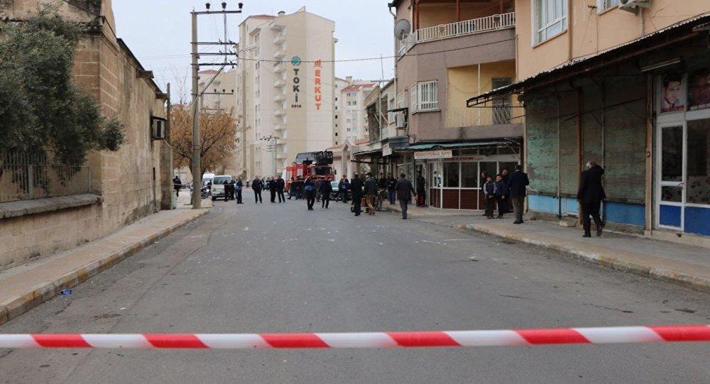 Adıyaman'da yaşanan depremin ardından sokaklarda güvenlik önlemleri alındı