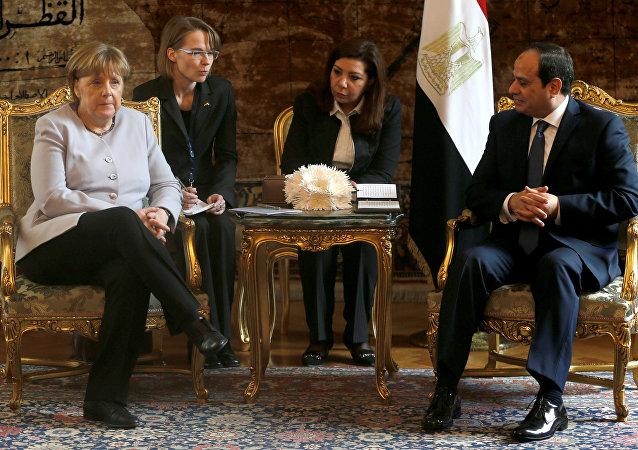 Amanya Başbakanı Angela Merkel ile Mısır Cumhurbaşkanı Abdülfettah el Sisi