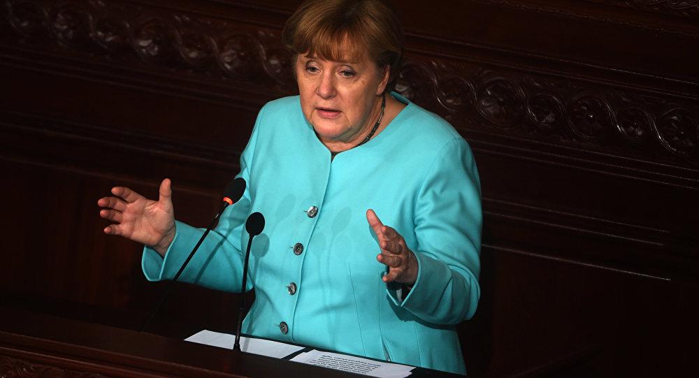 Almanya Başbakanı Merkel, Tunus Parlamentosu'nda