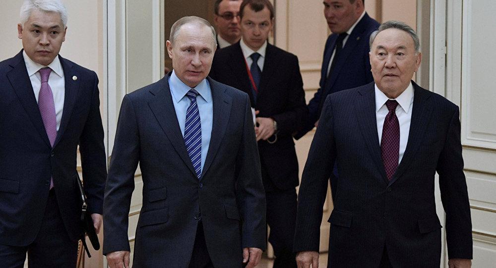 Nazarbayev'den Putin'e Soçi tebriği